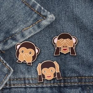 Set of 3 monkey pins ( see no evil hear no evil)